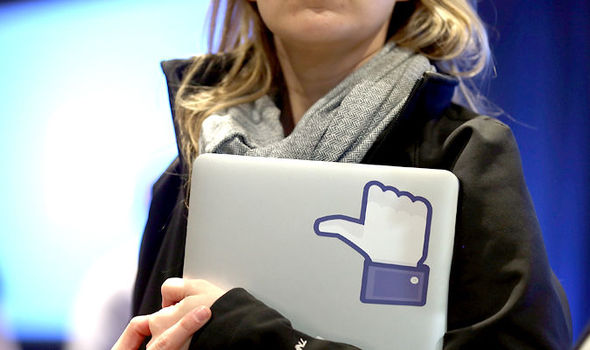 facebook-suspenda-cont-femeie-isis