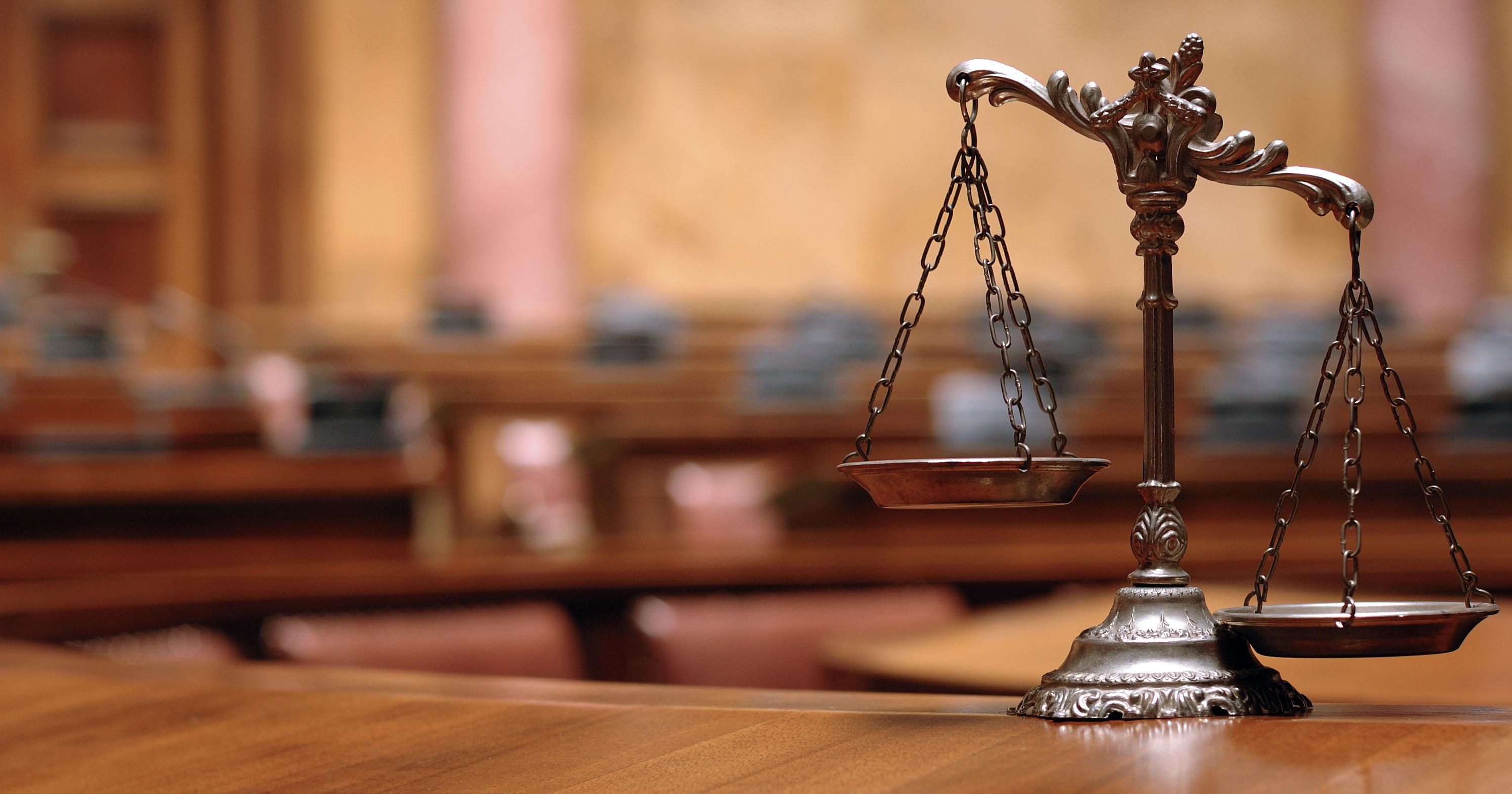 poti gasi online un avocat din Bucuresti pe website-ul haratau.ro,